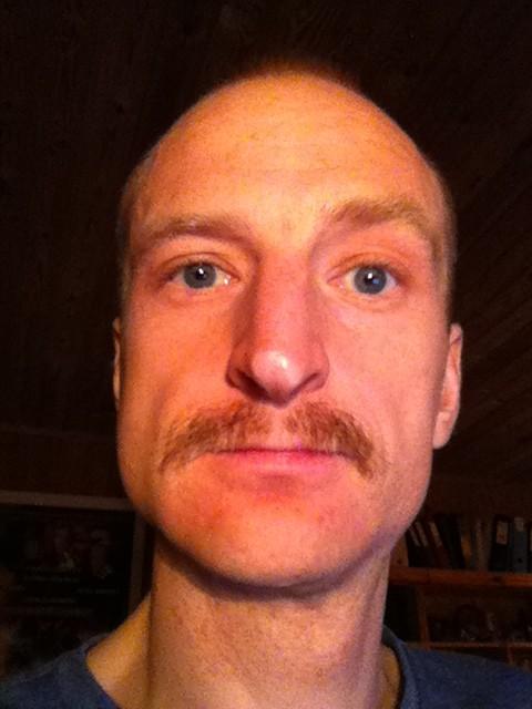 Reidar med Movember bart